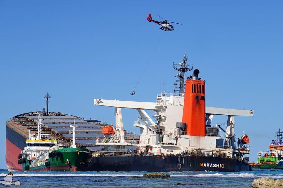 MV Wakashio : nouvelle mission pour Corail Hélicoptères Maurice !